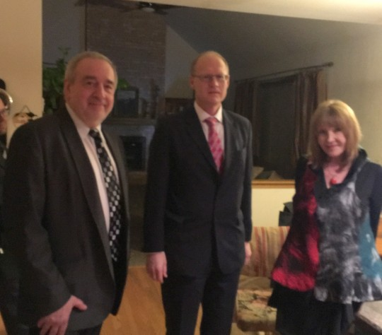 Dr. Miroslawa Dulczewska-Miller, Pawel Miller oraz p/o Konsula w Chicago Robert Rusiecki. Myszka wyjatkowo nie widoczna na zdjeciu.